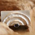 bravura 1   Brosche Silber mit Lolith   145,- €